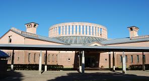 西部図書館外観の写真